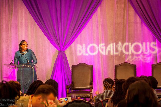 speak-b7-blogalicious-speakers
